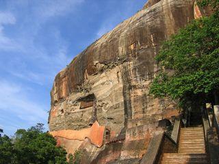 <斯里兰卡5晚6日游>狮子岩、圣城康提、佛牙寺、高尔古城,鲜花接机,采锡兰红茶