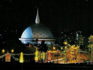 <文莱-迪拜-阿布扎比6晚7日游>尾货精选 钜惠200元,皇家航空 黄金街 音乐喷泉 ubaiMall 单轨列车游棕榈岛,F1法拉利公园