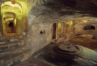 地下哹.#�b��h��il�bdzk`_地下陵墓