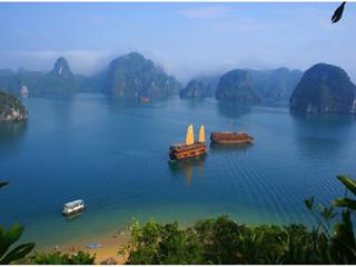 越南下龙湾著名景点之一天堂岛图片