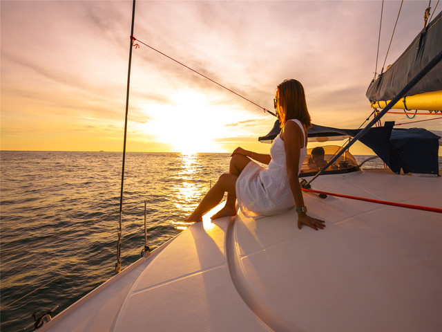【寻觅海豚,蜜月精选】<普吉蜜月岛超豪华双体帆船一日游/日落之旅>【船家:FreedomPhuket】