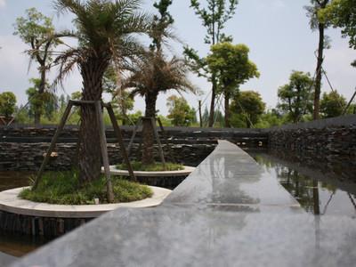 南通                  行程描述 上午抵达后游览滨江公园