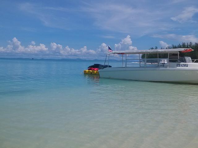 <沙巴亚庇美人鱼岛浮潜一日游>高级私人沙滩2人起订