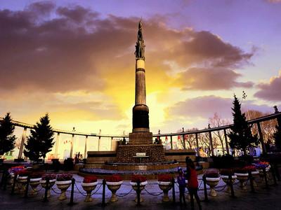 哈尔滨防洪纪念塔图片