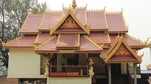 参观傣家民居,与傣家哨哆哩亲密接触了解傣家的生活习惯;感受傣族乡村图片