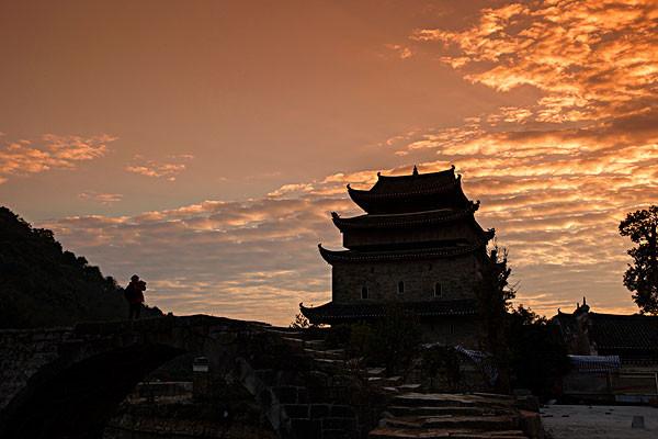 去新田县旅游需要多少钱_去新田县旅游需要带什么_七