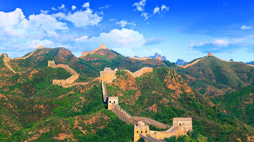 北京汽车2日游>游八达岭长城,天安门广场,圆明园,品北京烤鸭