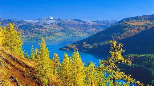 新疆-天山天池-吐鲁番-阿勒泰-喀纳斯四飞6日游>赠吐鲁番特色餐,二进