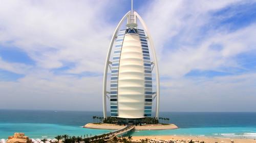 [国庆]<迪拜+阿布扎比6日游>全程国际五星,卢浮宫博物馆,猎鹰博物馆,一天自由活动,阿联酋航空香港直飞,去程A380