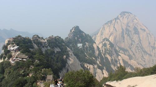 西安兵马俑-华山-明城墙-大雁塔广场动车3日游>商旅首选,抵达后就