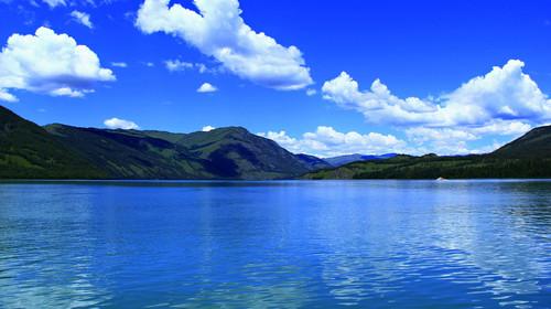 新疆天山天池-喀纳斯-赛里木湖-禾木-那拉提-巴音布鲁克-库木塔格沙漠双飞12日