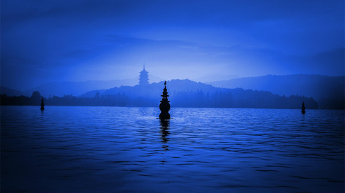 印孑月美丽可爱图片