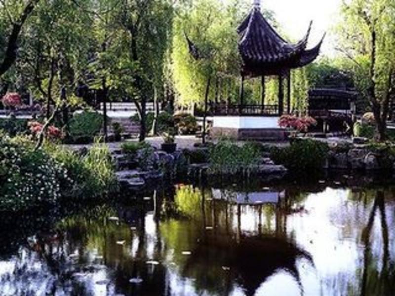 上海迪士尼乐园-苏州拙政园2日游>乐享上海迪士尼 畅游江南水乡风情