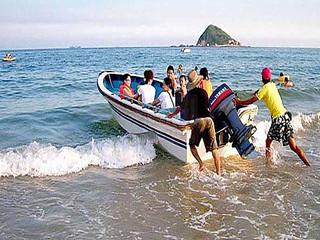 <深圳南澳西冲海滩1日游>深圳出发,海边BBQ,沿海单车,快艇冲浪