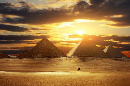 <埃及+迪拜+阿布扎比10-11日游>国际5星希尔顿,升级1晚美居酒店,全程0购物,含卢克索马车,费卢卡风帆船