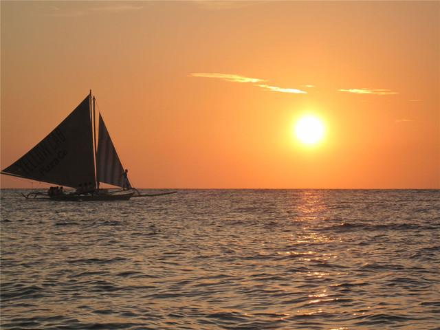 【海上日落】<长滩岛日落风帆游>拼船 或 包船