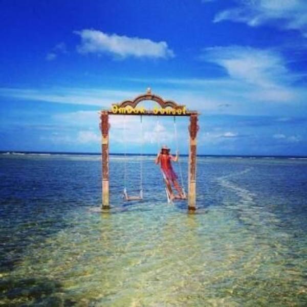 巴厘岛机票 当地4晚6日游>全新梦幻岛(海边骑马/骑骆驼,喂鲨鱼,浮潜