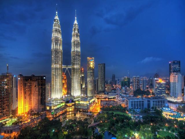 <马来西亚马六甲+太子城+吉隆坡5天4晚深度游>2人起订,独立成团,专车专导,机场接送,全程四星住宿,多人预订立减优惠(当地参团)