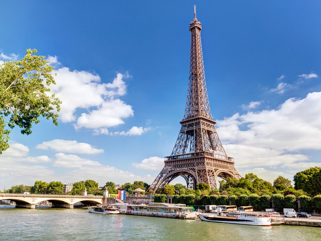 <荷比卢德法6晚7日循环游>法兰克福集散、自费项目自主选择、全程四星级酒店、巴黎深度游、海德堡城堡、荷兰大风车(当地游)