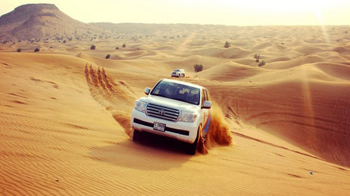 沙漠汽车图片素材
