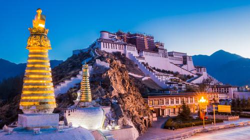 西藏拉萨-林芝大峡谷-羊湖-纳木错双卧12日游
