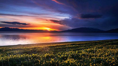 乌鲁木齐-天池-吐鲁番-赛里木湖-伊宁-喀拉峻-那拉提-巴音布鲁克9日游
