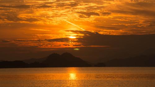 杭州千岛湖户外水上桨板半日游>水上桨板,新潮运动,专业教练
