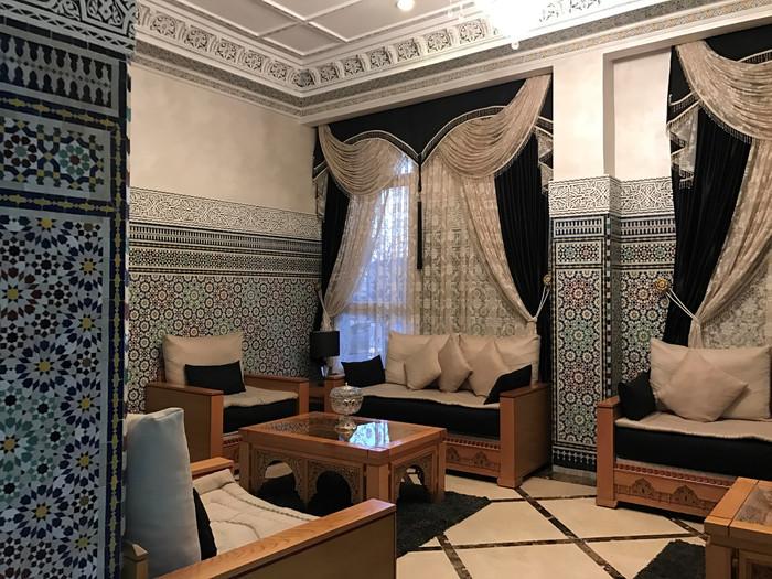 酒店大堂等候处,还是比较传统的摩洛哥伊斯兰风格,比较干净