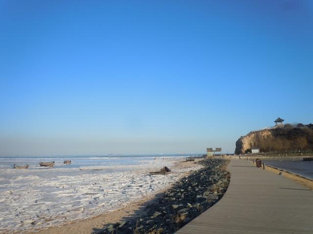 游玩时长:约1小时 鸽子窝公园又称鹰角公园,是秦皇岛市北戴河风景