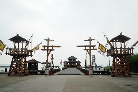 <無錫三國城-水滸城1日游>穿越影視基地 偶遇明星 純玩0購物 含太湖古戰船