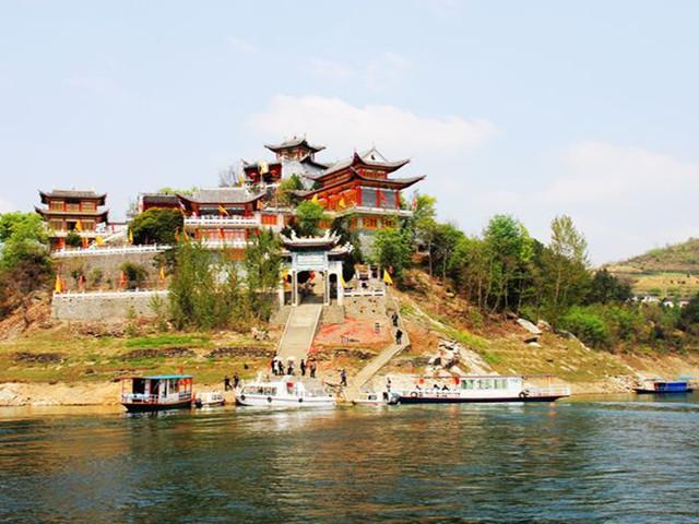 流水古镇是巴山的一个有名气的小镇,它过去叫流水店,在安康县和紫阳县图片