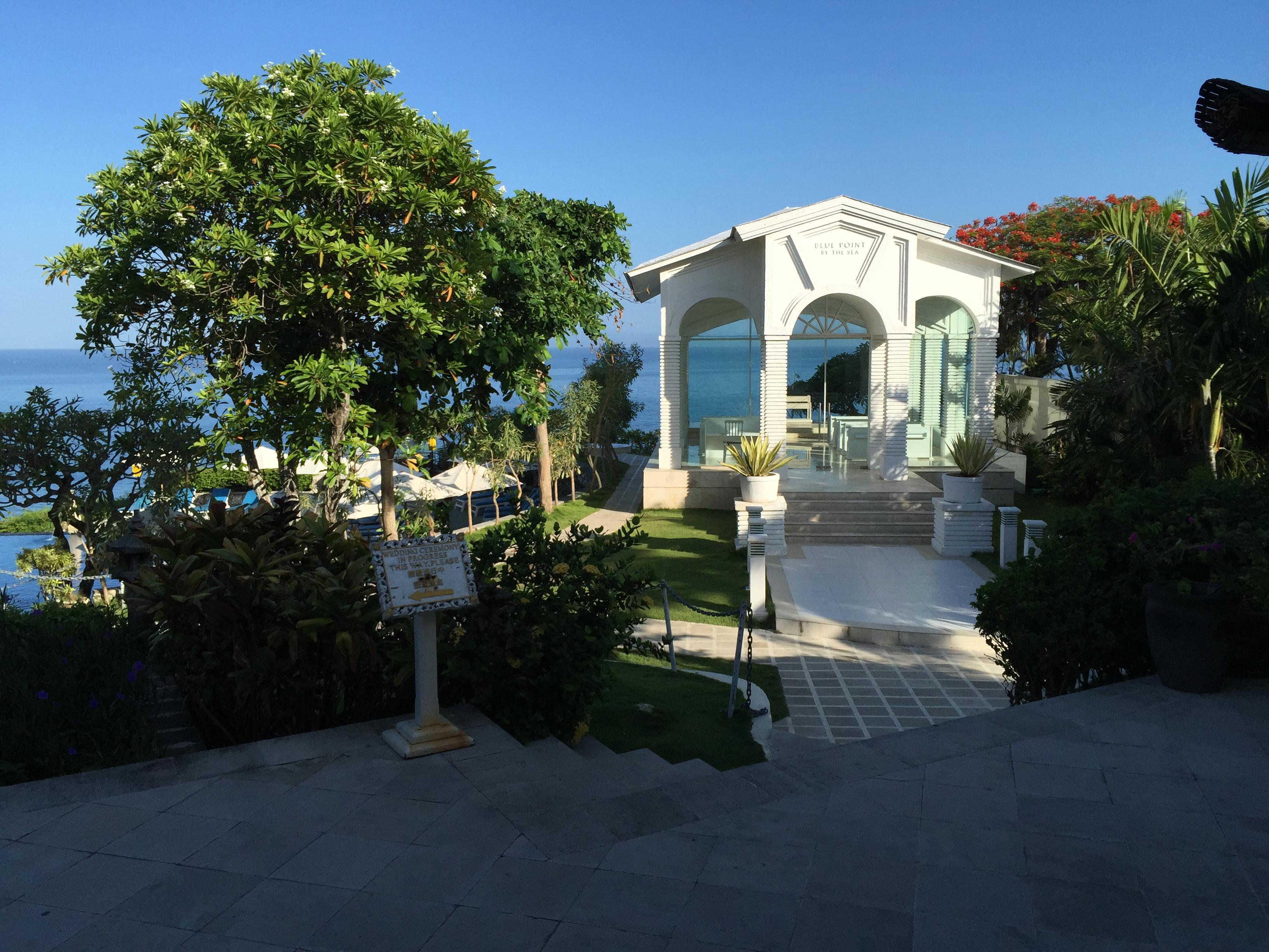 巴厘岛4晚5日游>蓝点酒店 国四花园泳池酒店 珊瑚海岸俱乐部(当地游)