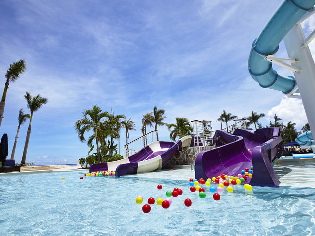 <塞班岛肯辛顿酒店5晚自由行>全海景客房,泳池沙滩,免费水上乐园,包含1早1正餐和接送机