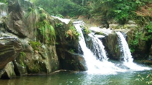 壁纸 风景 旅游 瀑布 山水 桌面 500_280