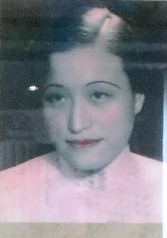 陈洁如当年的照片,与蒋介石结婚那一年她时才15岁.