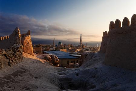 <中亚五国 哈萨克斯坦+吉尔吉斯斯坦+乌兹别克斯坦+塔吉克斯坦+土库曼斯坦18日游>全国多城市含联运,乐器博物馆,伊塞克湖,地狱之门
