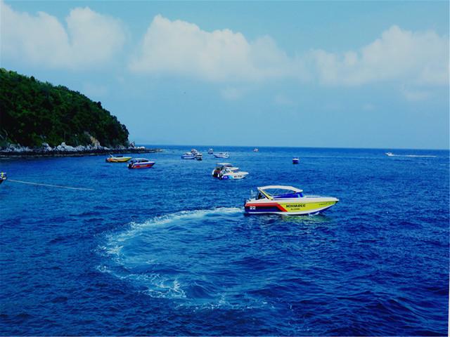 【中文导游】泰国芭提雅格兰岛+萨岛潜水一日游-含餐包接送