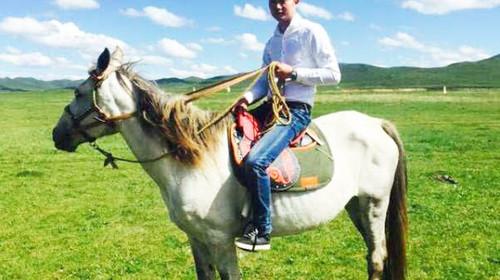 草原骑马(一公里)