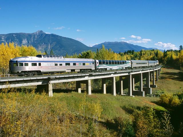 <加拿大VIA火车穿行落基山-深度6日游>慢旅行,温哥华VIA国铁,贾斯珀班夫幽鹤三大国家公园,入住一晚冰原核心保护区,可升级美食套餐