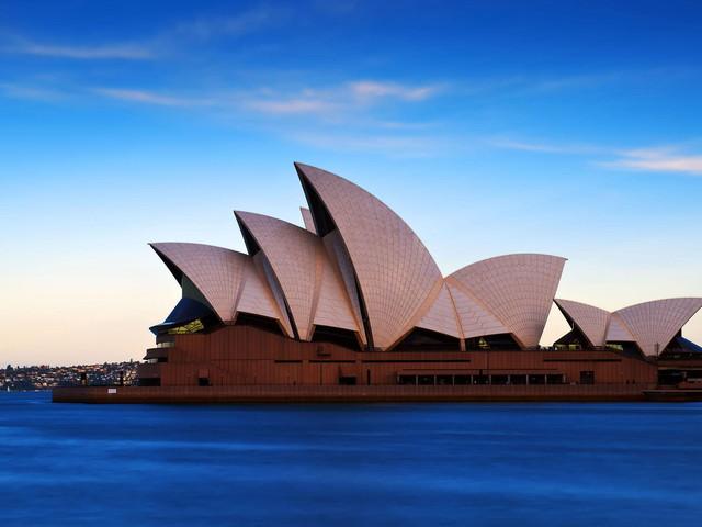 <悉尼+凯恩斯+塔斯马尼亚10天9晚游>四星酒店/全程机票/蓝山/史蒂芬港/堪培拉/大堡礁/热带雨林/霍巴特/酒杯湾
