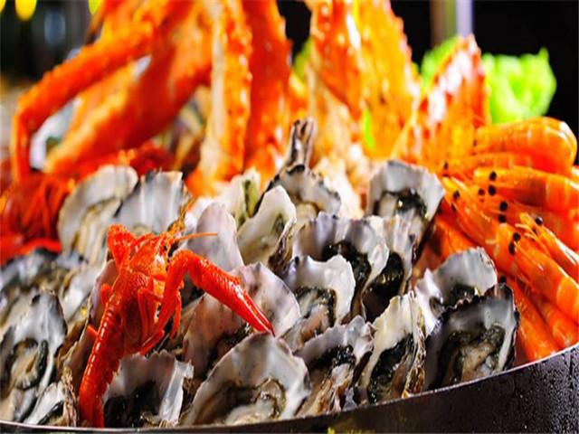 泰国-新加坡-马来西亚10日游>2晚海边泳池(五星)酒店,76层海鲜餐图片