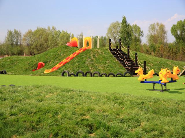 农场儿童游乐园一角