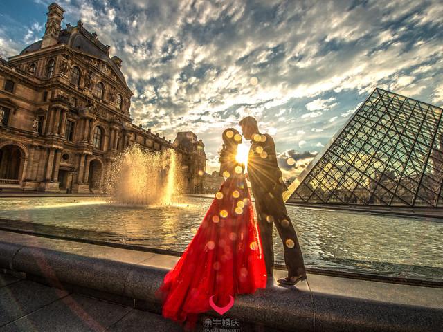<法国巴黎典藏婚纱摄影旅拍游>资深摄影师掌镜,小巴黎内五处外景地拍摄,当天专车服务
