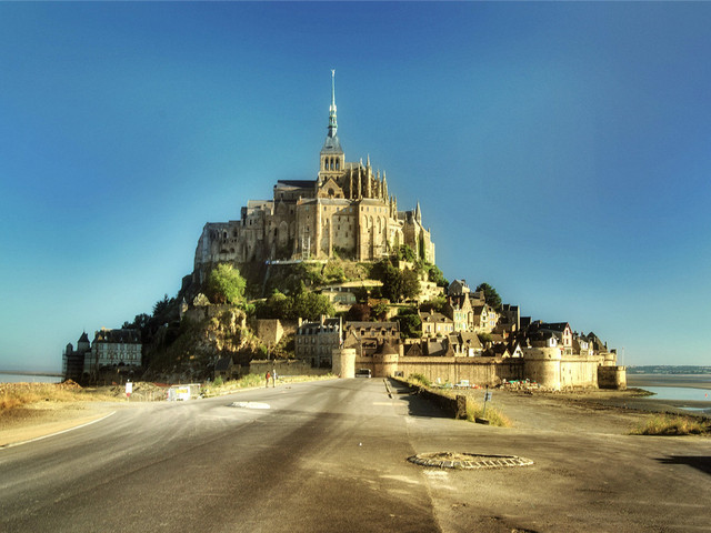 法国机票 当地9日游 2人精品小团,全程四星酒店,象鼻海岸,布列