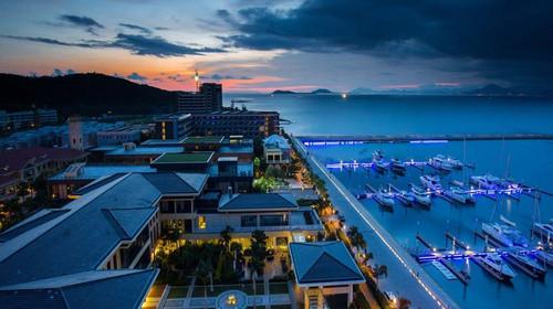 飞5日游 全居半山半岛帆船港酒店180度海景房,提高餐标诱惑你的