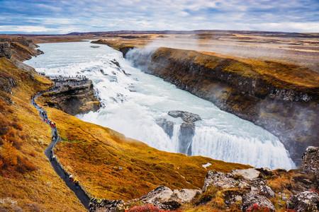 <英國+北歐冰島12日游>維珍航空,25人團,史卡法特國家公園,史克卡瀑布,藍湖,大英博物館含講解,巨石陣,溫德米爾湖區