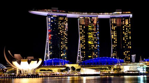 <新加坡-马来西亚5日游>香港直飞 非廉价航空 吉隆坡2晚五星酒店 船游新加坡河 滨海花园 名胜世界 新加坡住2晚 不走回头路