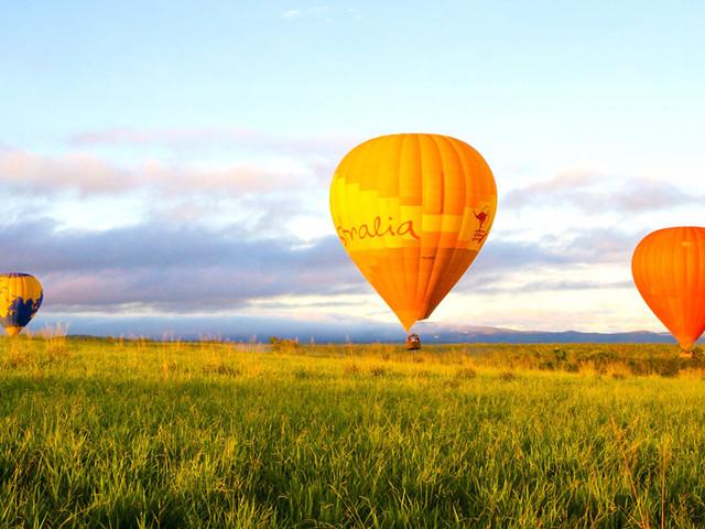 <凯恩斯热气球+库兰达热带雨林完美一日游>