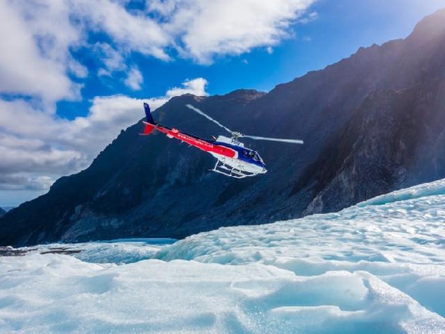 <直升机租赁—皇后镇出发>(私人飞机+米佛峡湾观光+含高山/雪地着陆)