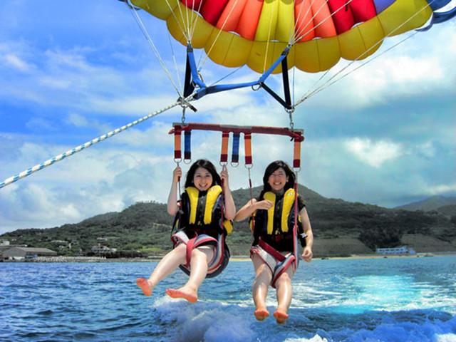 【冲绳玩乐】<日本冲绳海上活动/高空滑翔伞>1人起订,2人成行